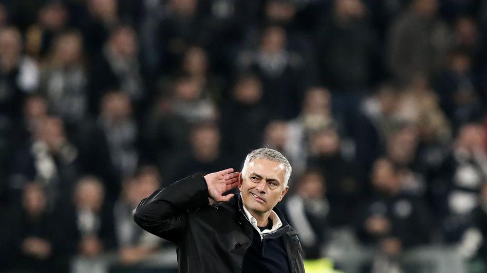 """Jose Mourinho: Der Chefcoach von Manchester United musste gehen - gegnerische Fans riefen: """"We want you to stay!"""""""