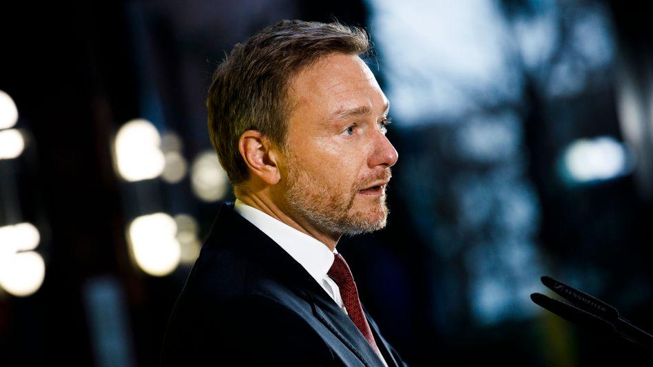 Unter Druck: FDP-Chef Christian Lindner könnten die Vorgänge in Erfurt den Job kosten.