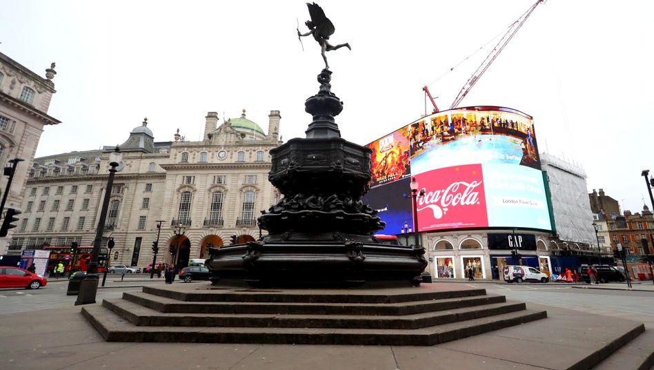 Piccadilly Circus: Menschenleeres London im Corona-März.