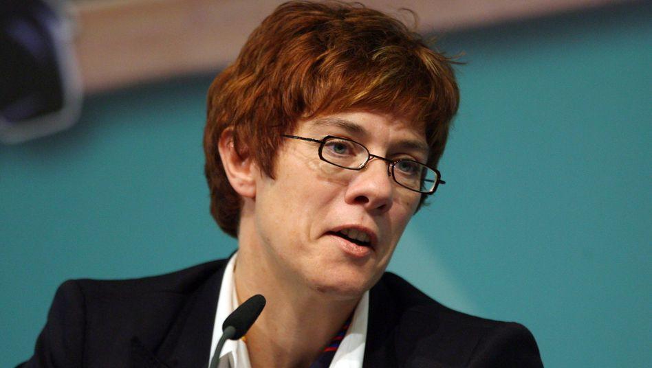 Ministerpräsidentin Kramp-Karrenbauer: Die CDU-Politikerin übernahm die Koalition im vergangenen Jahr