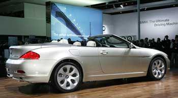 Flunder: Der 6er-BMW wirkt mit offenem Verdeck flach und gestreckt - wie man sich täuschen kann