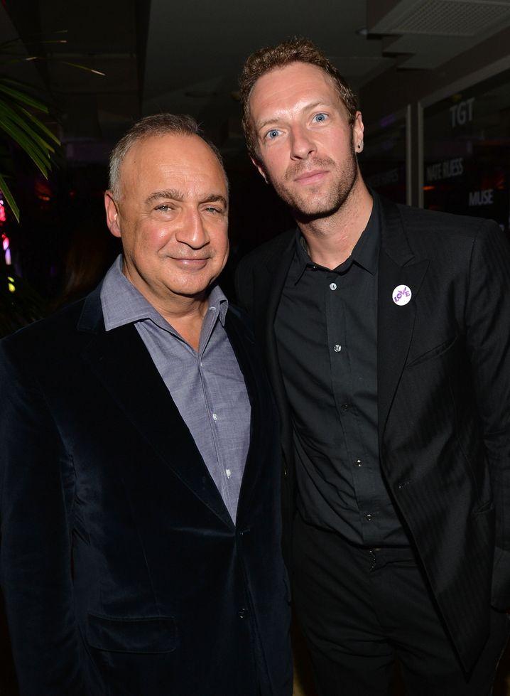 Mag Sport und Musik: Len Blavatnik (links, mit Coldplay-Sänger Chris Martin) hat viel Geld für TV-Sportrechte bezahlt