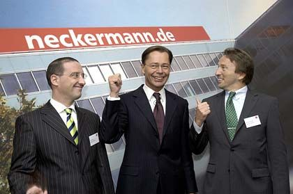 Wechselt zu Otto: Gutschi (l.) mit KarstadtQuelle-Chef Thomas Middelhoff und Neckermann-Chef Bernd Oppenrieder