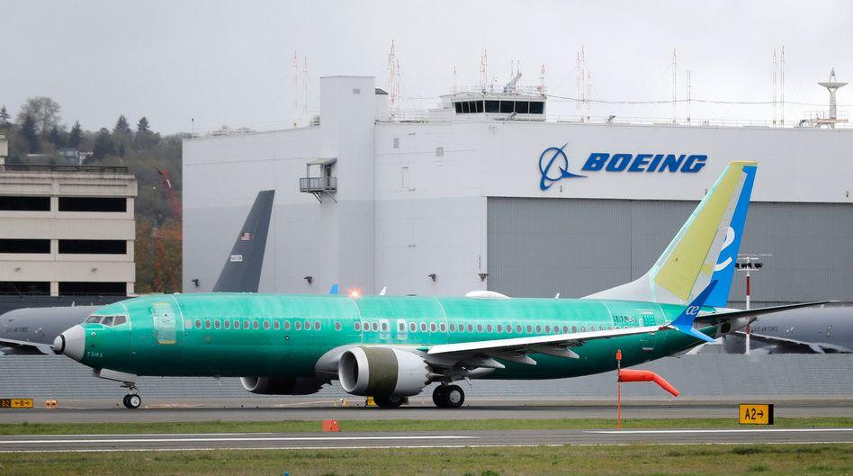 Probleme ohne Ende: Die Boeing 737 Max darf seit Monaten nicht fliegen - jetzt meldet der Hersteller auf Schwierigkeiten mit einem Vorgängermodell.