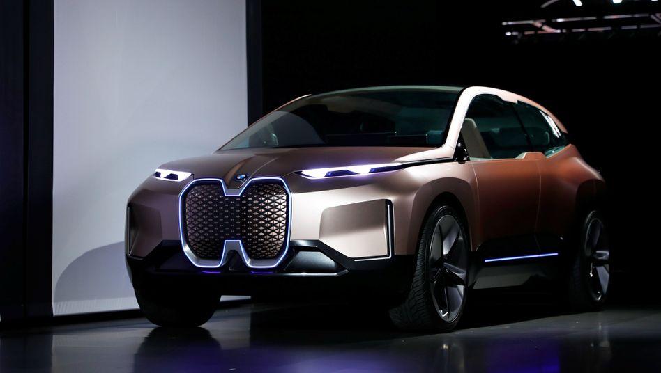Elektro-SUV iNext: Der Tesla-Fighter soll im größten europäischen BMW-Werk in Dingolfing gebaut werden