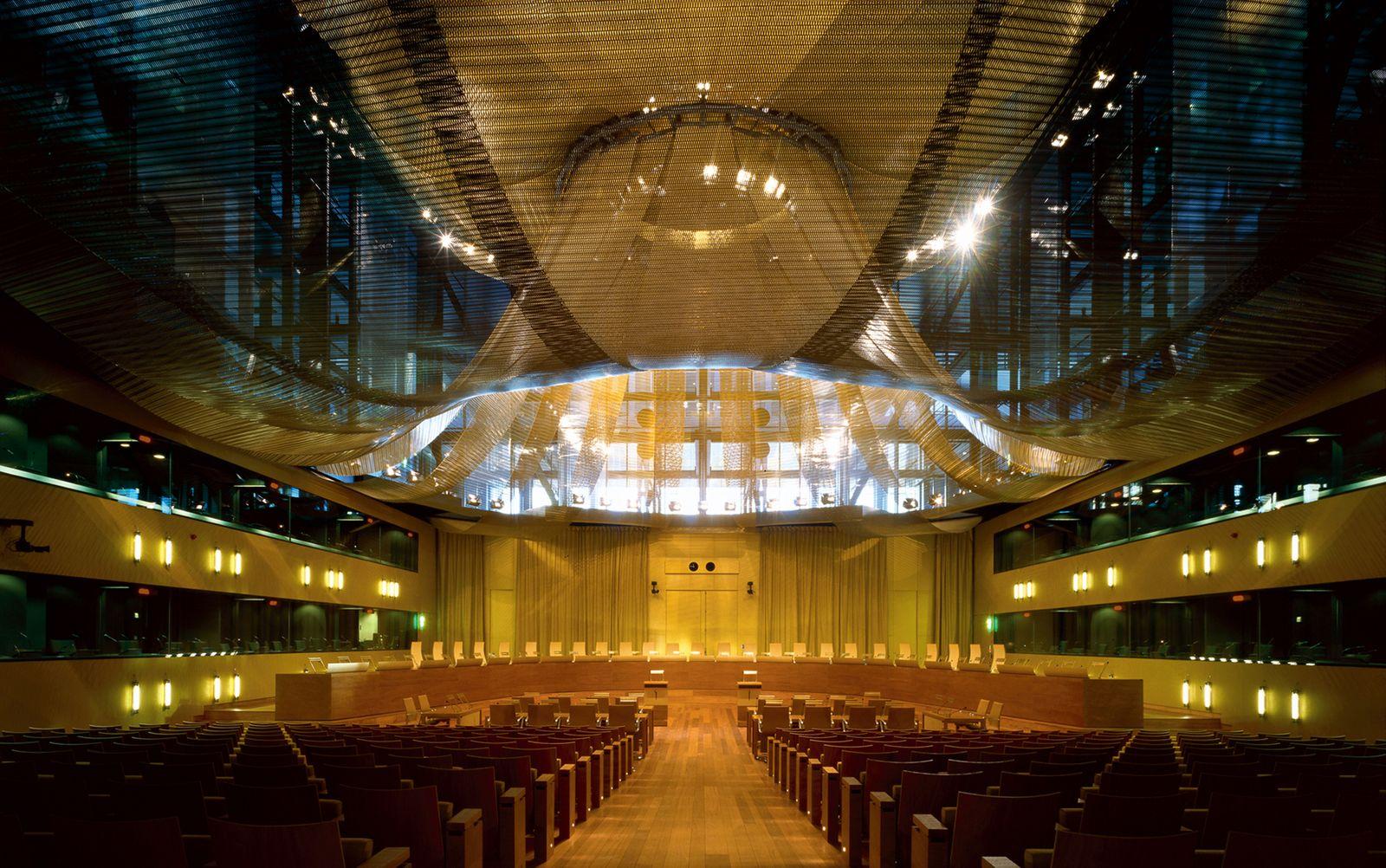 Gerichtshof der Europäischen Union (EuGH)/ European Court of Justice (ECJ)