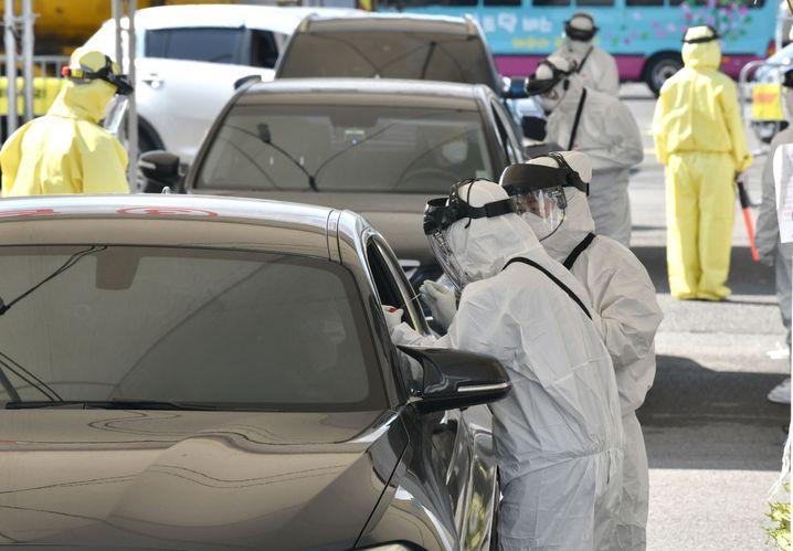 Drive-through-Coronatest in Südkorea: Neuinfektionen gehen zurück