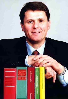 Professor Norbert Winkeljohann: Das Vorstandsmitglied bei PricewaterhouseCoopers leitet den Bereich Mittelstand