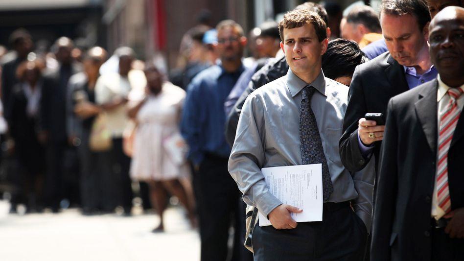 Bewerberschlange in New York: Der Aufschwung am Arbeitsmarkt geht weiter