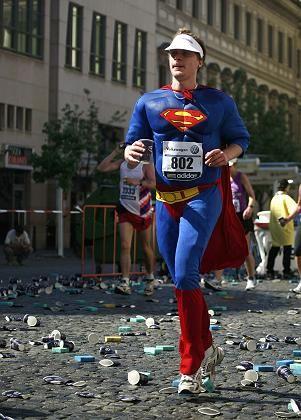 Sportlerfantasie: Viele Wiedereinsteiger neigen dazu, ihre körperlichen Fähigkeiten zu überschätzen