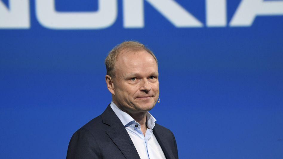 """""""Entscheidungen werden nie leichtfertig getroffen"""": Nokia-Chef Pekka Lundmark verlagert den Fokus von den allgemeinen Kosten auf Forschung und Entwicklung"""