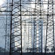 Auftragsschub: Weltweit machen Staaten Steuergeld in Milliardenhöhe locker, um Straßen, Gebäude und Stromnetze zu sanieren. Vielen Dax-Unternehmen dürfte dies Aufträge bescheren.
