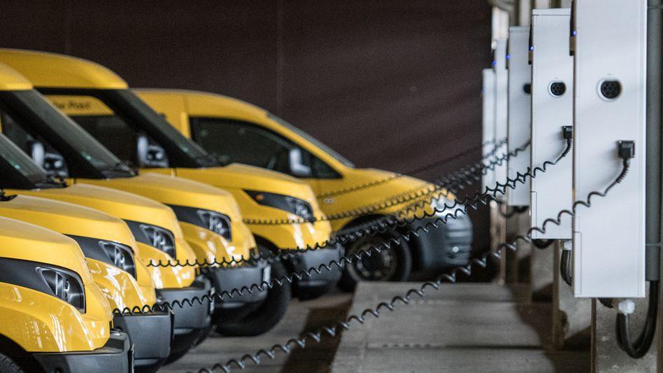 Made in Aachen: Die Streetscooter-Elektrolieferwägen der Deutschen Post werden in der rheinischen Stadt gebaut