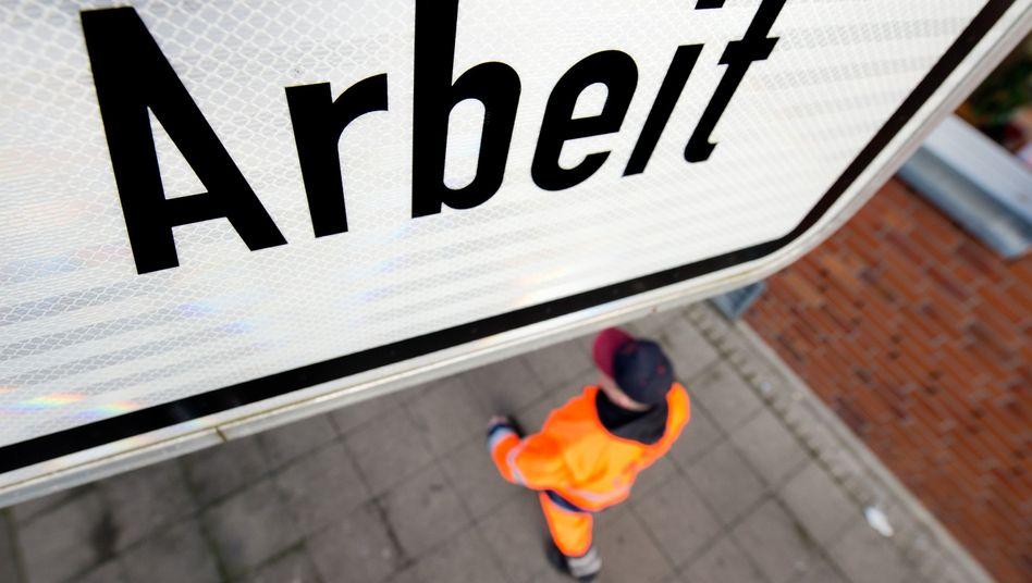 An Arbeit mangelt es in Deutschland nicht: Die Erwerbstätigkeit nimmt zu, die Zahl der offenen Stellen ist konstant hoch