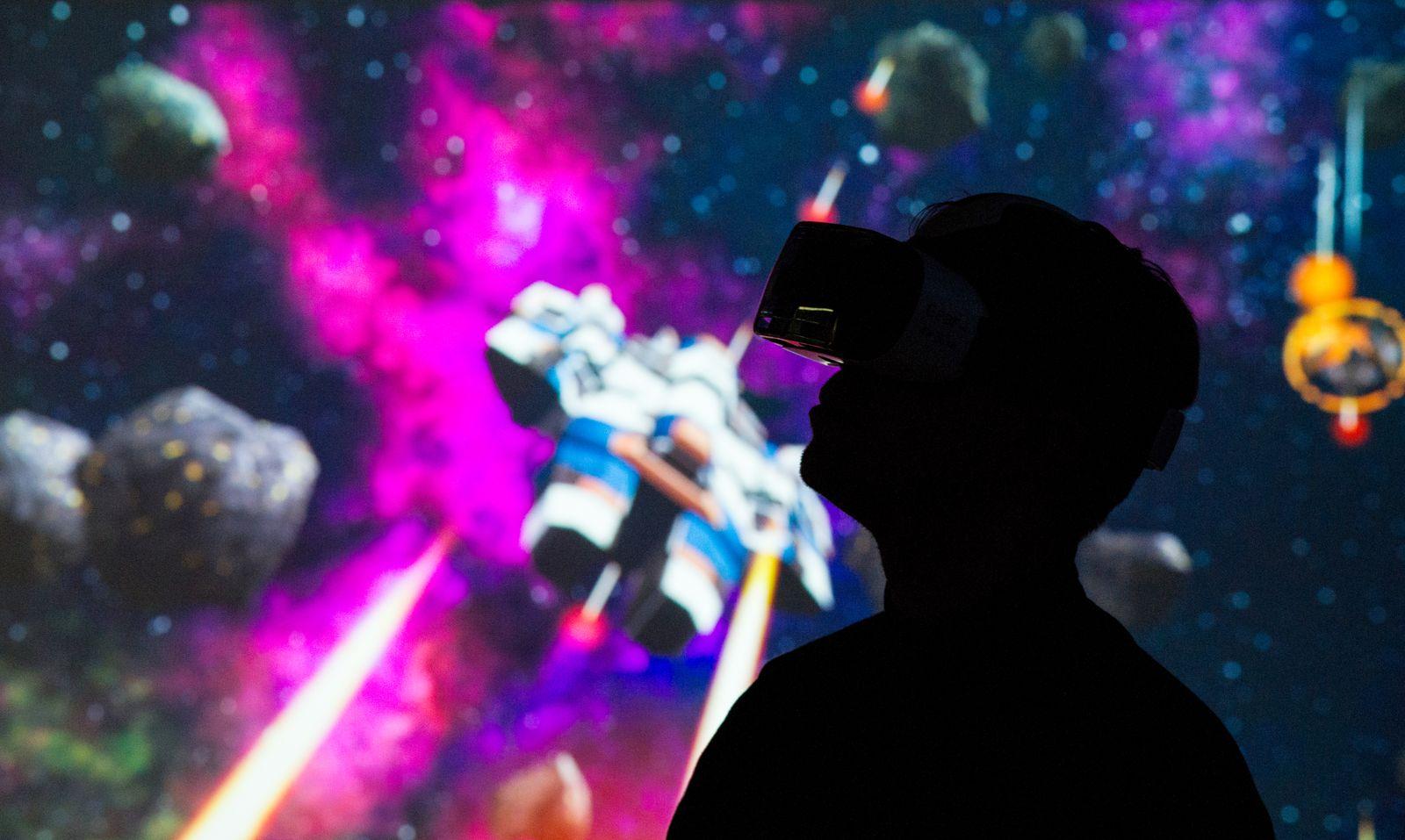 EINMALIGE VERWENDUNG Samsungs Gear VR im Test:Ein Blick in die virtuellen Weiten