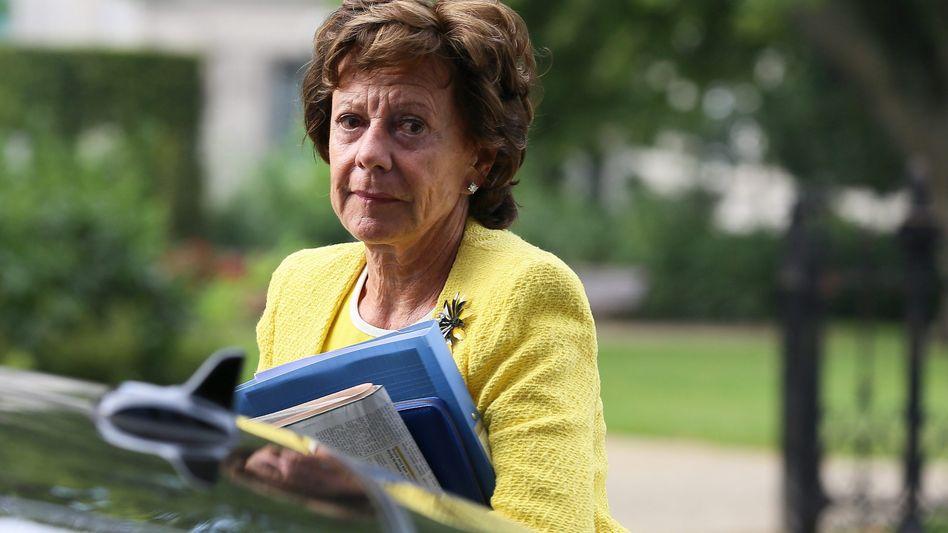 Verträge unterzeichnet: EU-Kommissarin Neelie Kroes will zusammen mit Unternehmen und Forschungseinrichtungen in der EU den Aufbau der datengesteuerten Wirtschaft vorantreiben