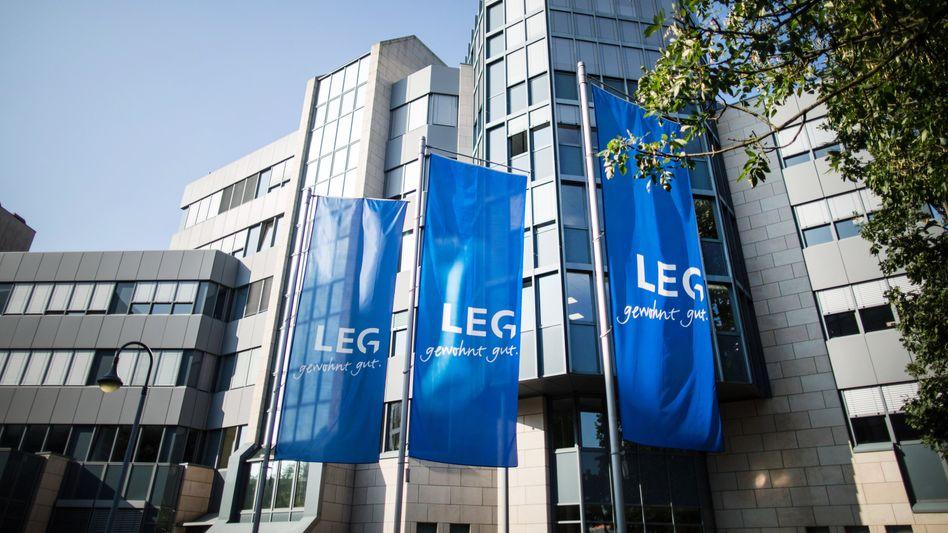 Betongold wechselt Besitzer: Die Adler Group will 15.000 Wohnungen an den Immobilienkonzern LEG aus Düsseldorf verkaufen
