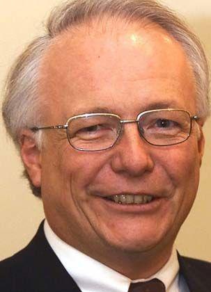 Rolf Gerlach: Gegen den Schwesterverband durchgesetzt