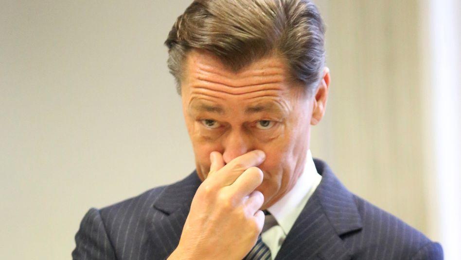 Lächelt mal nicht im Gerichtssaal: Ex-Arcandor-Chef Thomas Middelhoff am Donnerstag in Essen
