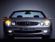 Der verträumte Blick versteckt pure Kraft: Der Mercedes 500 SL versucht sich am Spagat zwischen Luxusauto und Sportwagen