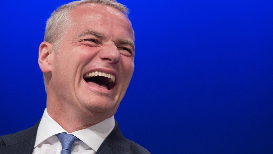 Bis zu 40 Millionen Euro Bonus möglich: Carsten Kengeter könnte, wenn es für Deutsche Börse sehr gut läuft, dank seines Vergütungsprogramms einen enormen Bonus einstreichen
