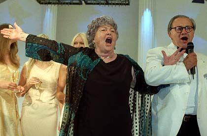 Sängerin: Voller Lebensfreude und Temperament war Aenne Burda bis zum Schluß
