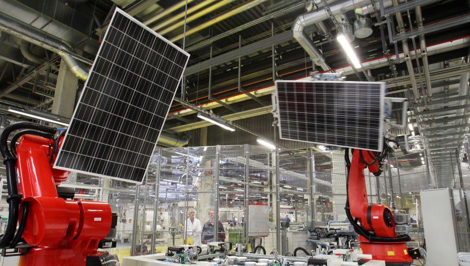 Produktion von Q-Cells in Sachsen-Anhalt: Gespart wird vor allem in der Verwaltung