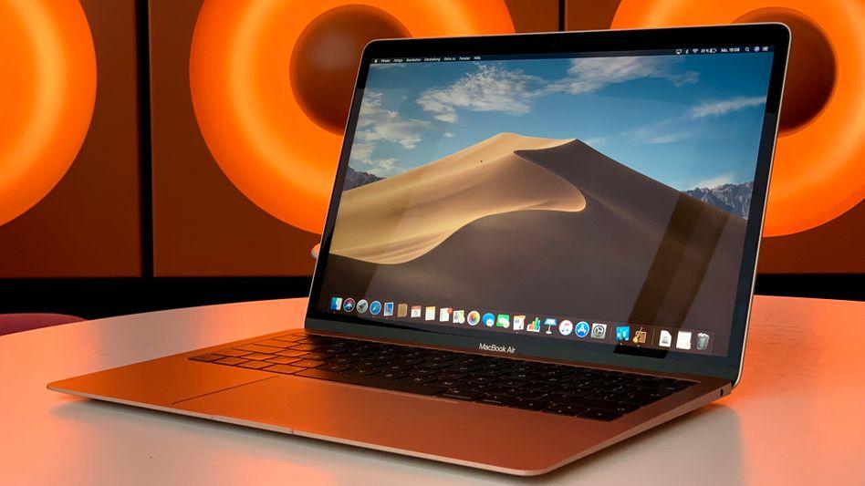MacBook Air: Die Akkus einiger Modelle könnten Feuer fangen und dürfen deshalb nicht mehr mit ins Flugzeug
