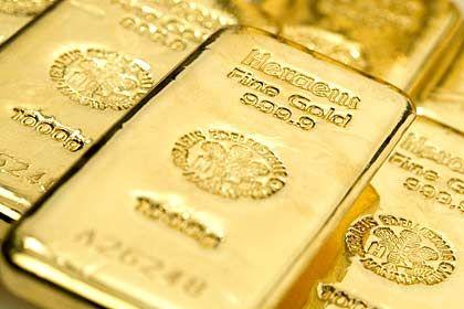 Schimmernde Verlockung: Ein Goldbarren bietet Sicherheit, heißt es - aber auch keine Zinsen