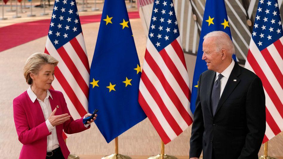 Endlich einig: EU-Kommissionspräsidentin Ursula von der Leyen und US-Präsident Joe Biden haben den 17 Jahre langen Dauerstreit zwischen der Europäischen Union und den Vereinigten Staaten so gut wie beendet