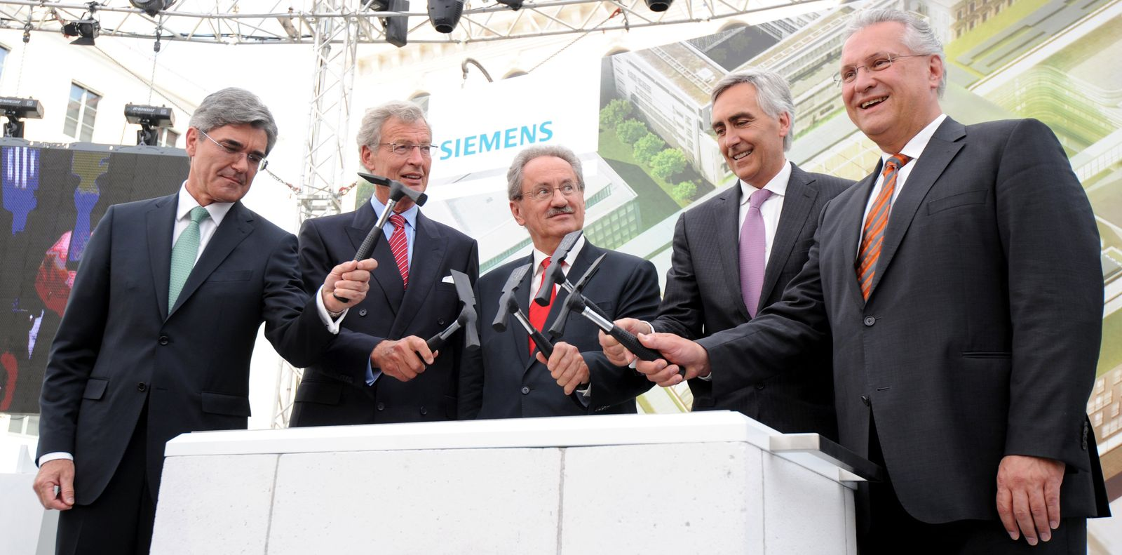 Cromme / Kaeser / Grundsteinlegung Siemens-Konzernzentrale