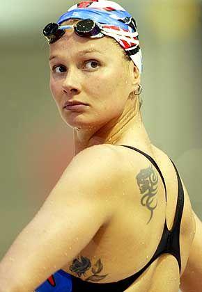 Schwimmerin Franziska van Almsick: Für die mehrfache Weltmeisterin reichte es bei Olympia bisher nur zu Silber. In Athen, ihrem letzten großen Wettkampf, soll endlich Gold her. Beste Chancen hat die 26-Jährige über 200 Meter Freistil.
