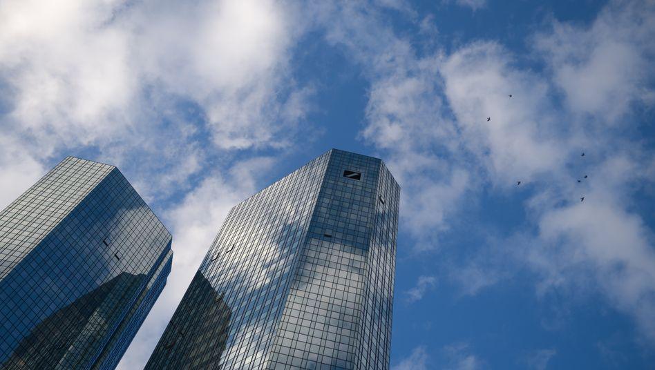 Neue Rücklagen für Rechtsstreitigkeiten: Ein Vergleich im Zinsskandal kostet die Deutsche Bank 2,5 Milliarden Dollar