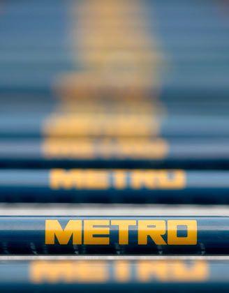 Metro-Einkaufswagen: Schwaches Geschäft mit Lebensmitteln belastet den Schuldenabbau des Handelskonzerns