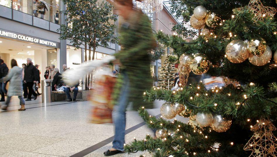Einkaufen am 1. Adventswochenende: Volle Läden, aber noch Luft nach oben