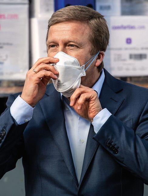 Statt Homeoffice: BMW-Chef Oliver Zipse kündigt die Produktion von Atemschutzmasken an