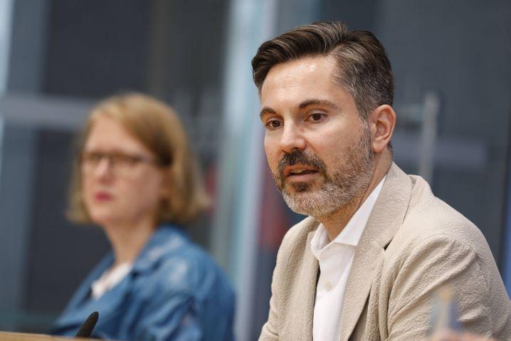 Skeptisch bei Wirecard, aber auch bei Cum-ex: Die Bundestagsabgeordneten Fabio de Masi (Linke) und Lisa Paus (Grüne)