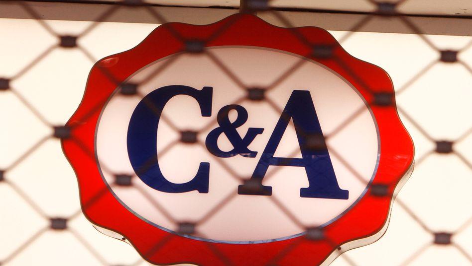 C&A-Filiale: Das Bekleidungsunternehmen unterhielt 2019 in Deutschland noch 453 Filialen, weltweit sollen es rund 2000 gewesen sein