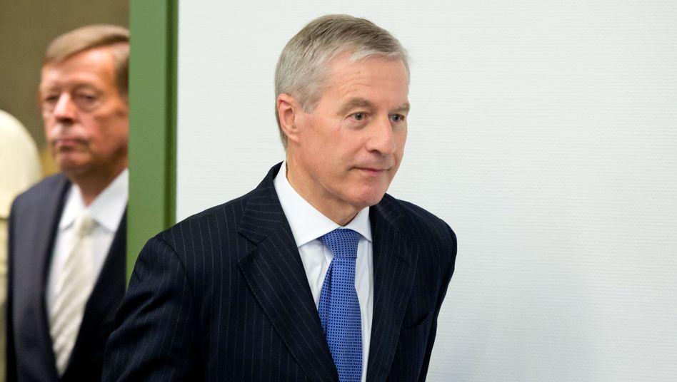 Soll bis Mai 2016 an der Spitze der Deutschen Bank weitermachen: der Co-Vorsitzende des Vorstands, Jürgen Fitschen. Um trotz Lame Duck-Image das Bankhaus in der Öffentlichkeit vertreten zu können, muss an seiner Kommunikationsstrategie gefeilt werden
