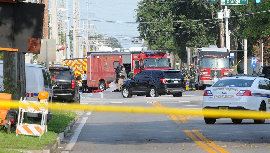 Rettungskräfte am Tatort: Beim Anschlag von Orlando starben 50 Menschen, viele weitere wurden verletzt.