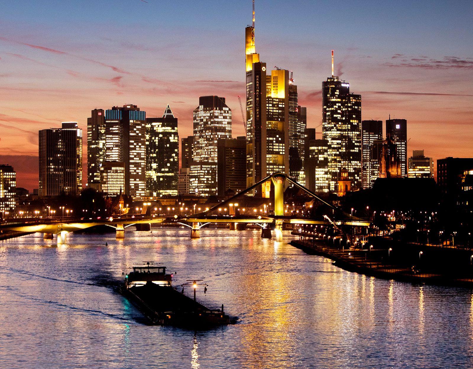 Frankfurt Skyline / Banken / Banken-Viertel / Konjunktur