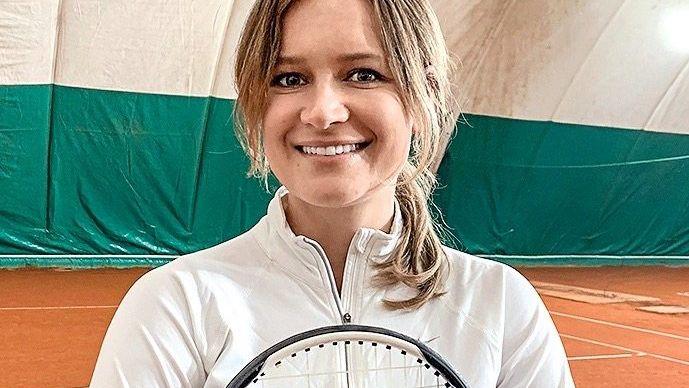 Kopfstand als Ziel: Jolanta Baboulidis (33)