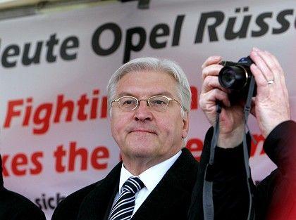 Außenminister Steinmeier: Vorkämpfer für die Beschäftigten bei Autokonzernen