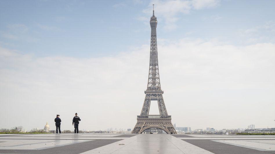 Eiffelturm in Paris, Frankreich: Die französische Regierung rechnet nun mit einem Wirtschaftseinbruch von 8 Prozent in diesem Jahr