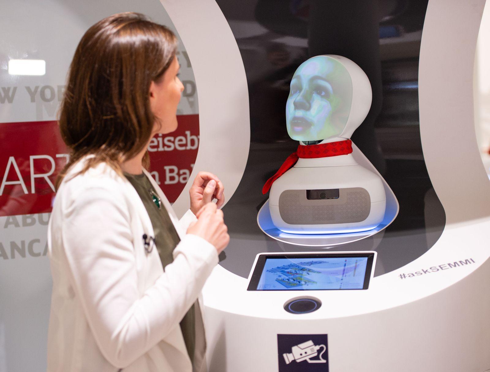 """Deutsche Bahn präsentiert Roboter """"Semmi"""""""