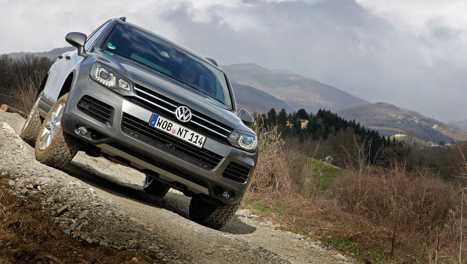 VW-Diesel: Wer seinen alten Diesel abgibt, bekommt beim Kauf eines neuen VW eine Umstiegprämie - beim Kauf eines Touareg sind es bis zu 10.000 Euro