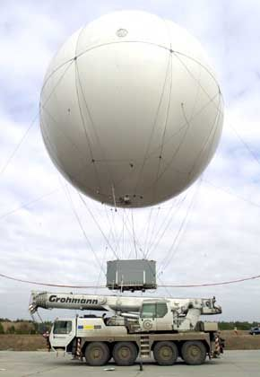 """Die Luft ist raus: Auch der """"AirCrane 75"""" konnte Cargolifter nicht retten"""