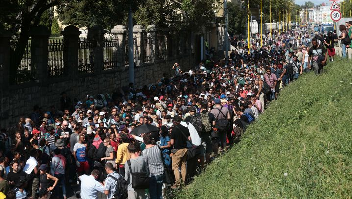 Ungarn: Flüchtlingstreck gen Westen