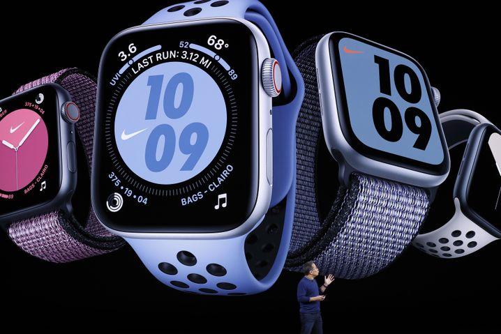 Die Apple Watch 5 kostet je nach Gehäusematerial zwischen 449 und 1449 Euro
