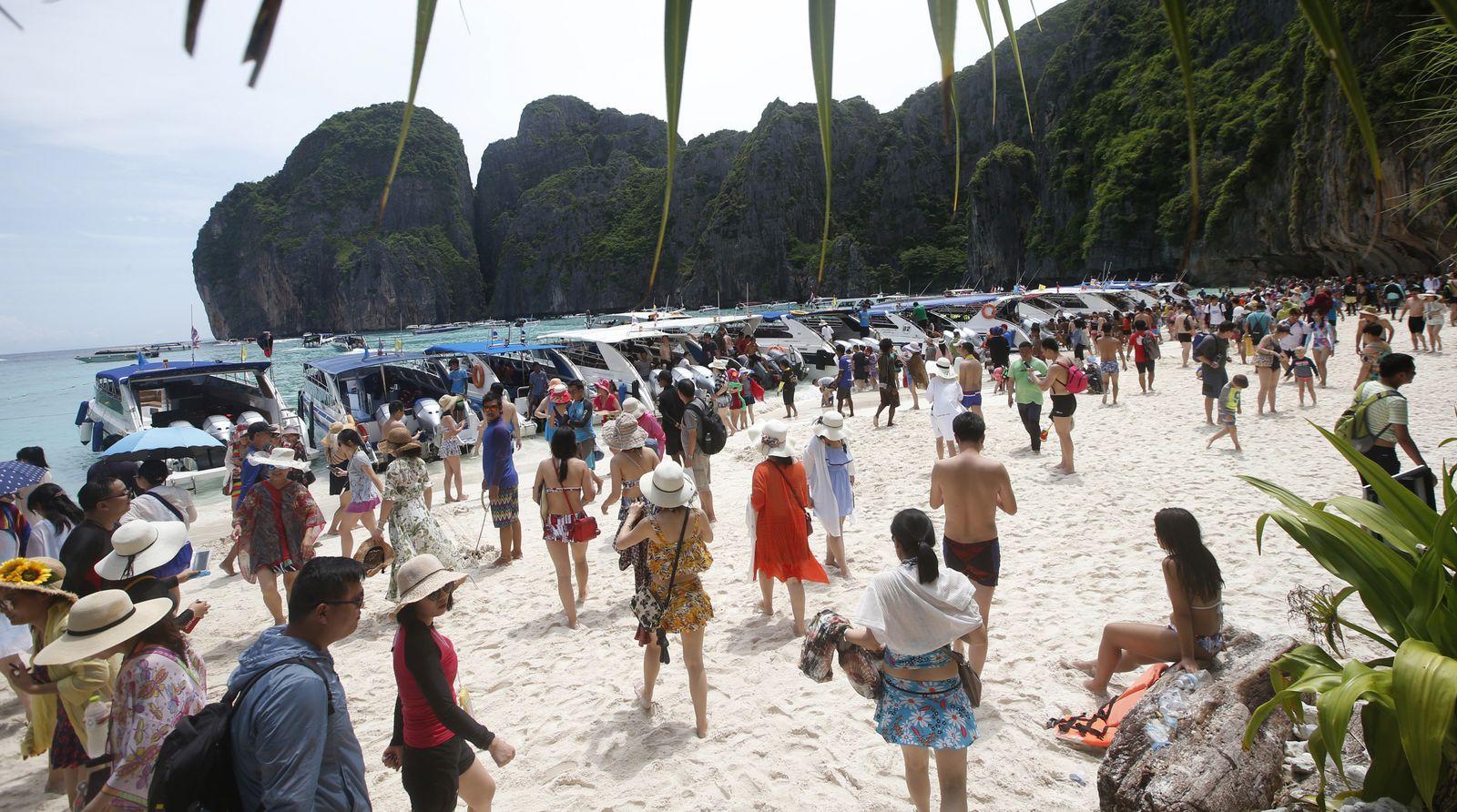 Maya Bay, Phi Phi Leh island in Krabi